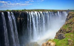 Staying in Zimbabwe to Visit Victoria Falls